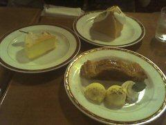 チーズスフレ、シフォンケーキ、アップルパイ