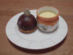 夜空(チョコレートケーキ)とハニープリン